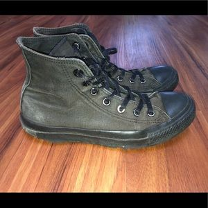 Converse High Top Worn Unisex Men 6/ Women 8
